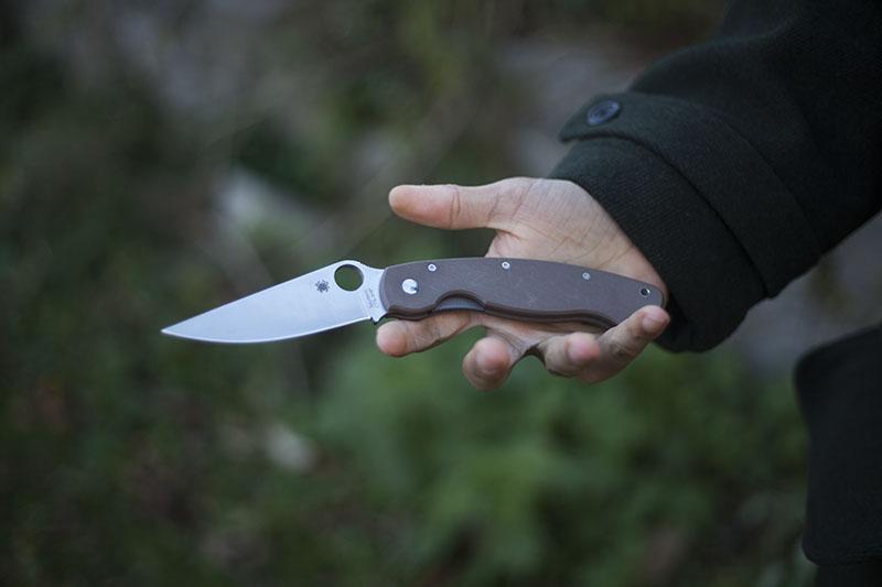 pocket knife g10 spyderco military