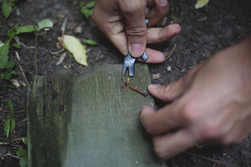 wilderness survival review gerber shard uses