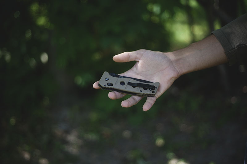 tactical everyday carry folding survival knife benchmade adamas review