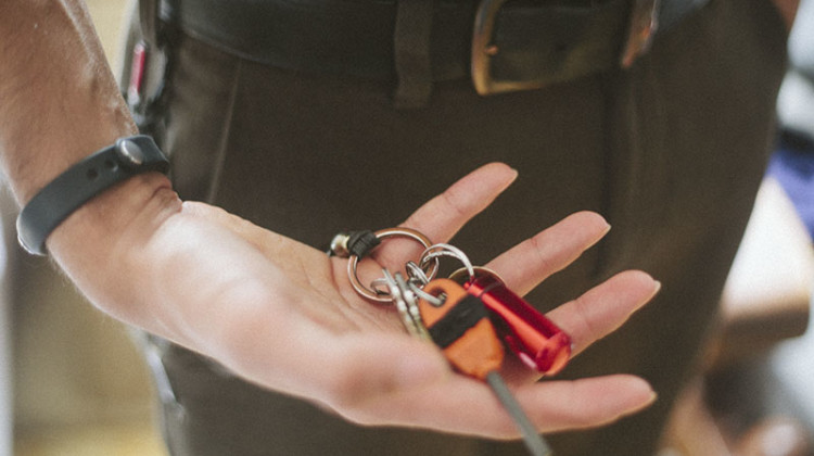 more-than-just-surviving-keychain-tools-edc-pocket-dump