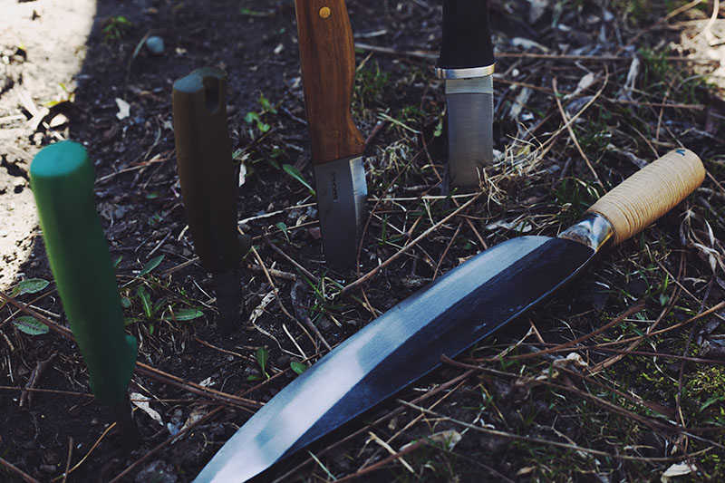 which knives are better bladesmith forged knife or production