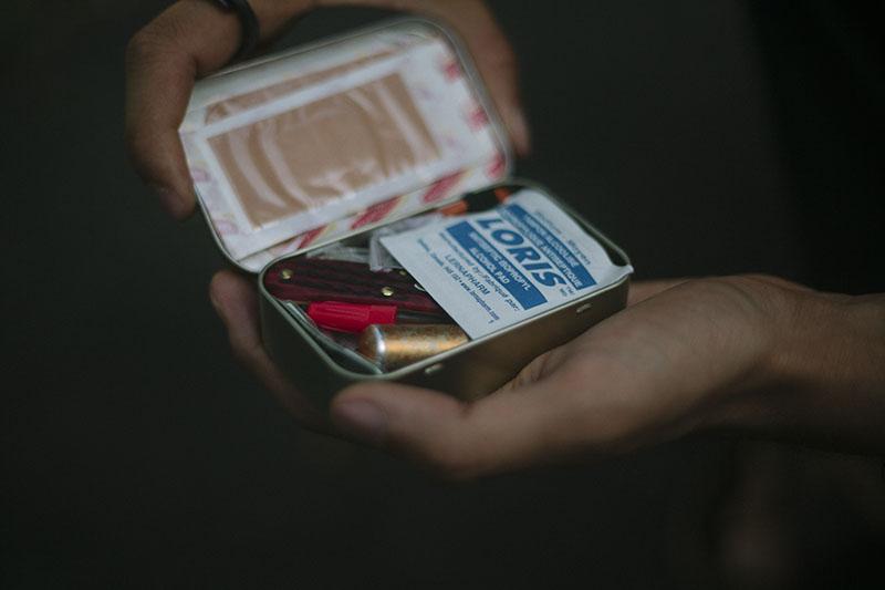 everyday carry altoids tin survival kit items small survivalist kit edc