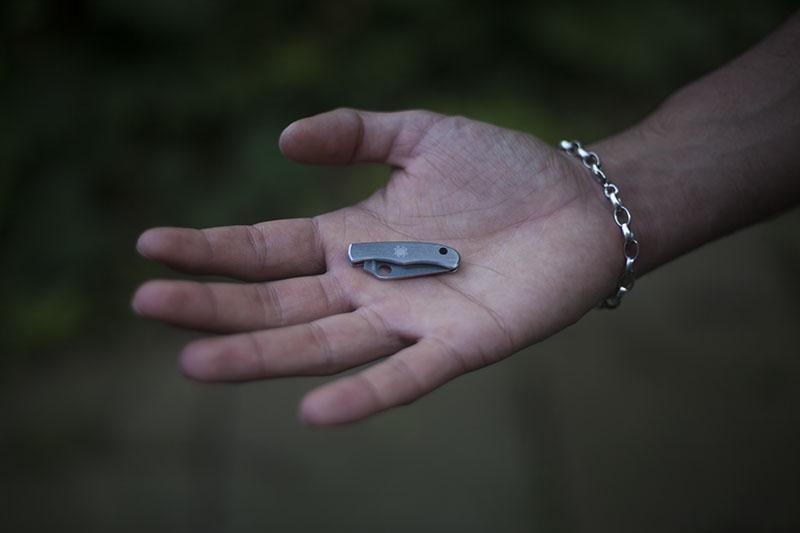 gear review spyderco tiny bug edc keychain knife stainless steel