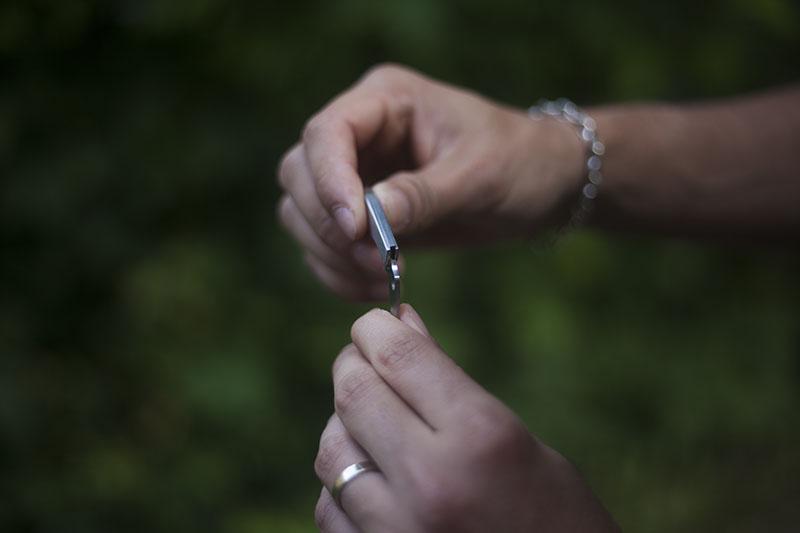 tiny folding edc slip joint spyderco bug review keychain knife