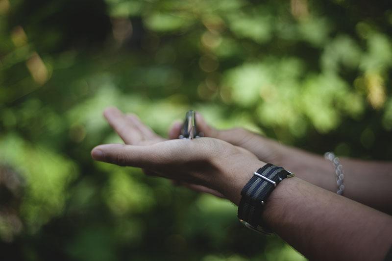 survivalist gear blog sog vulcan review edc folding pocket knife