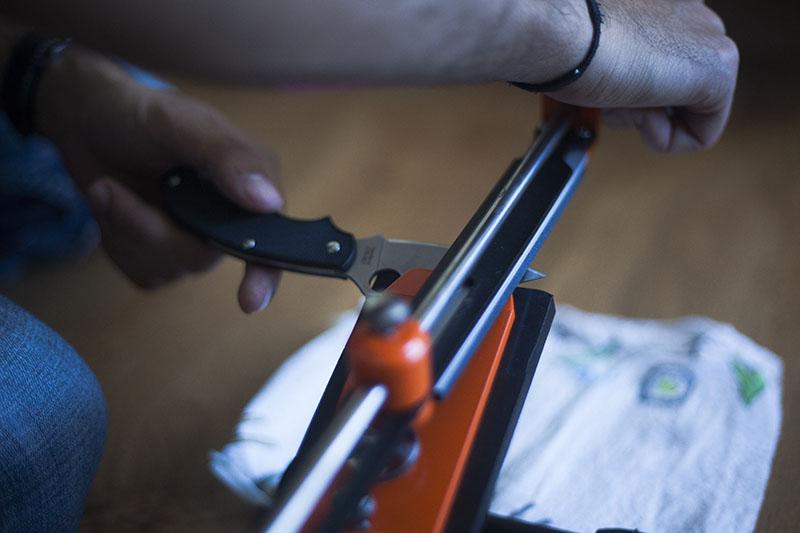 survivalist pro knife sharpener hapstone review survival gear