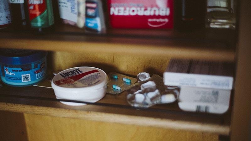first aid kit contents list survivalist stockpile medical items